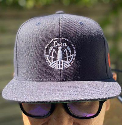 Den-Sake-Hat-Front